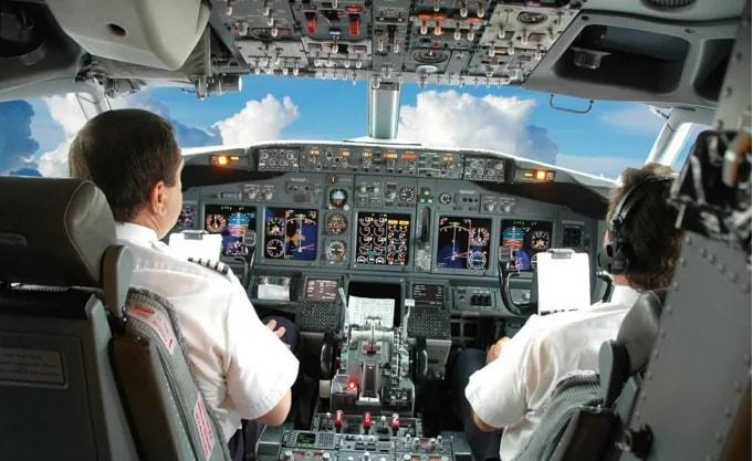 Найдена возможность захватить управление самолетом через экран для пассажиров