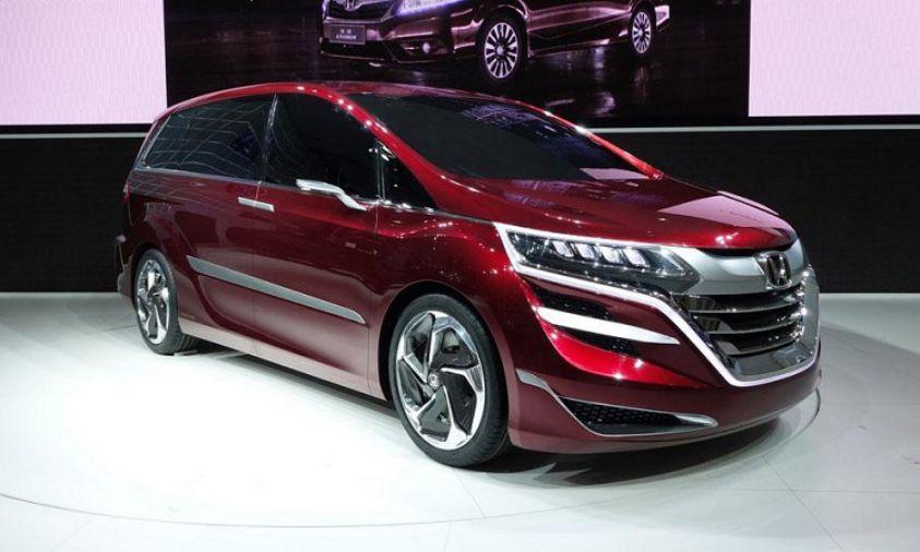 Названы цены нановый минивэн Хонда Odyssey