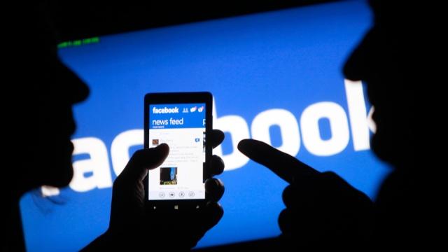 Число запросов госструктур оданных пользователей социальная сеть Facebook возросло на27%