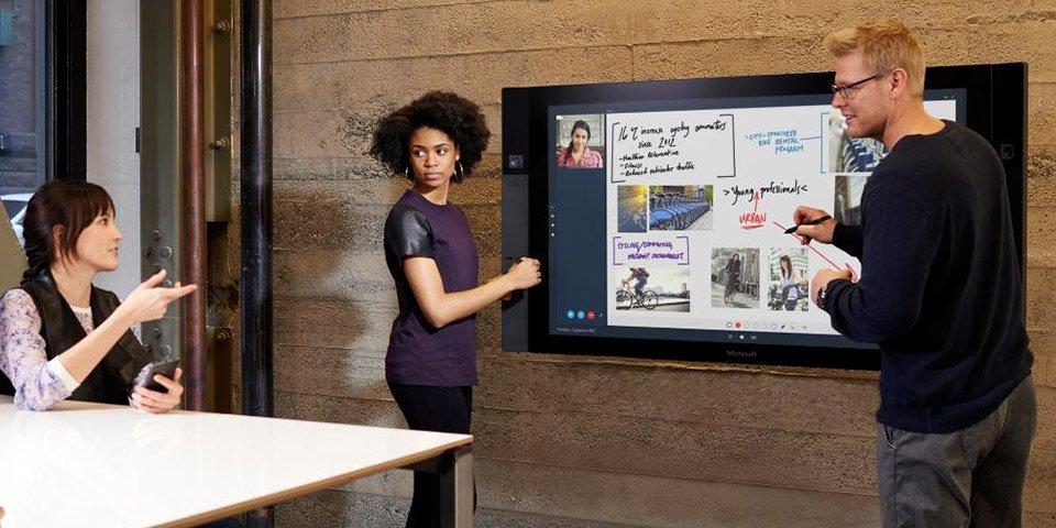 Microsoft решила перенести релиз моноблочного ПК на неопределенный срок