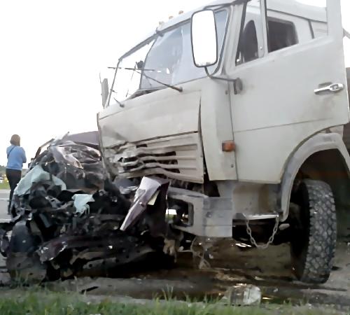 Жесткое ДТП под Тихорецком спровоцировал шофёр КамАЗа