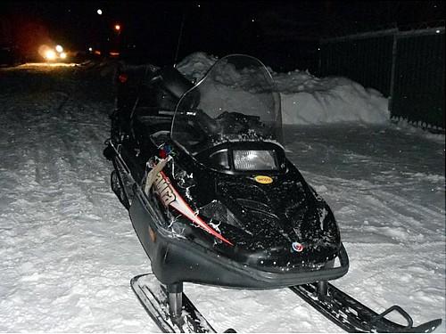 ВТатарстане шофёр снегохода умер после столкновения споездом