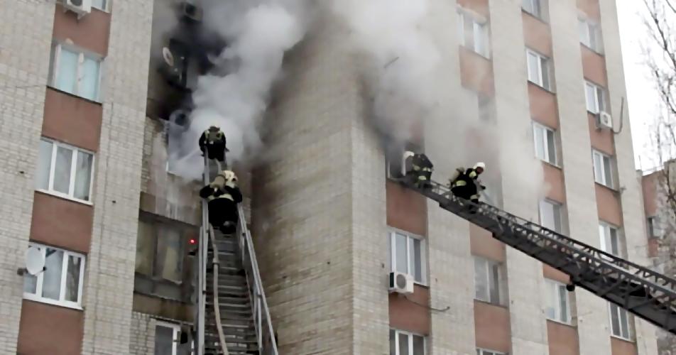 Мужчина умер впожаре вмногоэтажке Нальчика