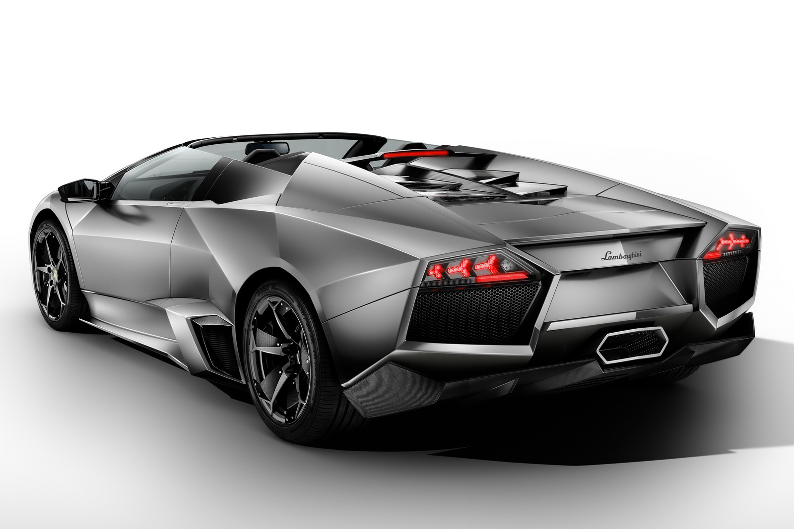 Неповторимое купе Lamborghini Reventon продадут саукциона за1,4 млн. долларов