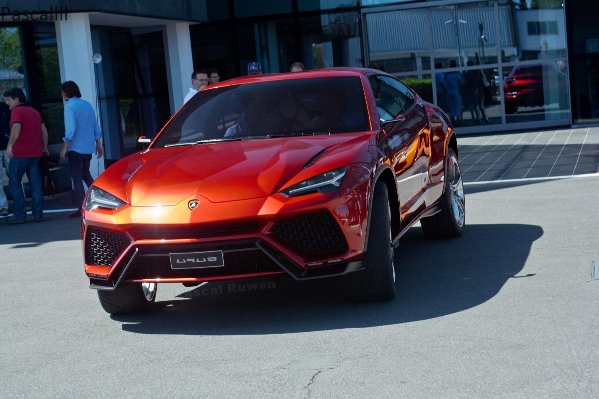Кроссовер Lamborghini станет гибридом и будет продаваться в России