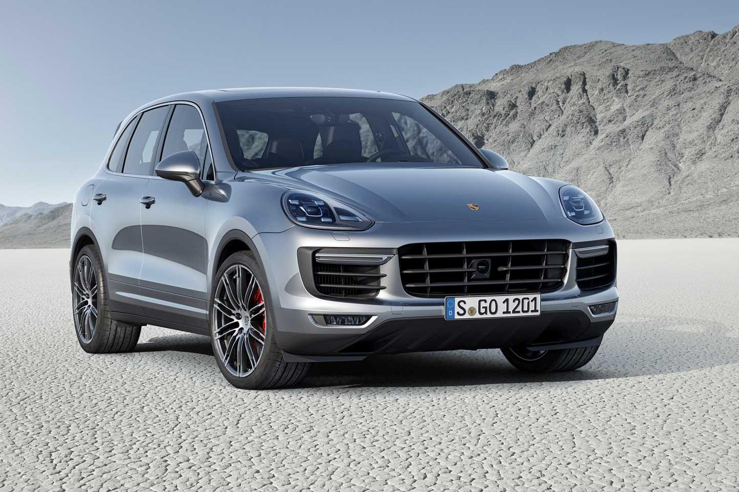 Porsche Cayenne стал бестселлером в России в ноябре